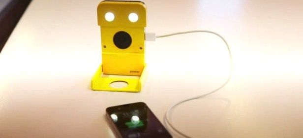 WakaWaka Power, cargador solar para smartphones